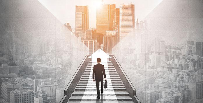 Merdivenleri Tırmanan İş Adamı ile İlgili Görsel