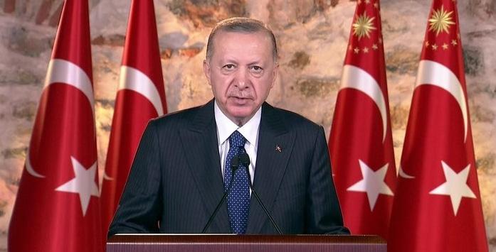 Cumhurbaşkanı Erdoğan'ın Tohma Köprüsü'nün Açılışını Yaptığı Konuşmada Çekilmiş Fotoğrafı