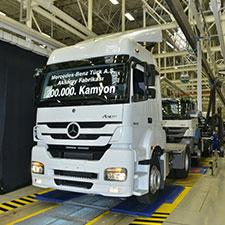 Mercedes-Benz'in Ürettiği 200 Bininci Tır Görseli